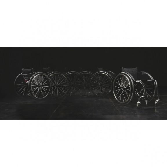 Кресло-коляска с ручным приводом активного типа Progeo Carbomax
