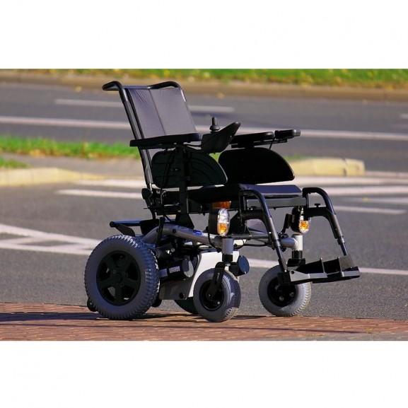 Электрическая коляска с системой освещения Invacare Stream - фото №4