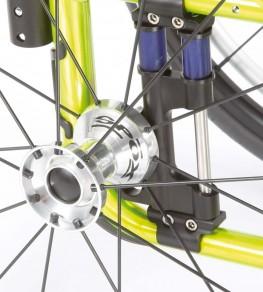 Быстросъемные оси упрощают демонтаж приводных колес