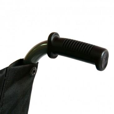 Откидные подлокотники регулируются по высоте и фиксируются
