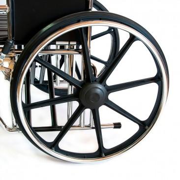 Модель комплектуется резиновыми цельнолитыми шинами