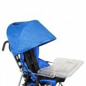 В базовый комплект коляски входят столик и капюшон