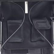 Удобные карманы на спинке