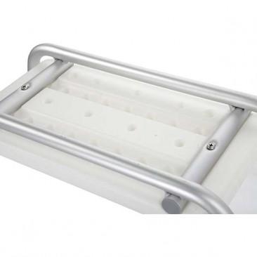 Каркас сиденья для ванны изготовлен из алюминия
