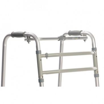 Имеет алюминиевую прочную усиленную складную раму
